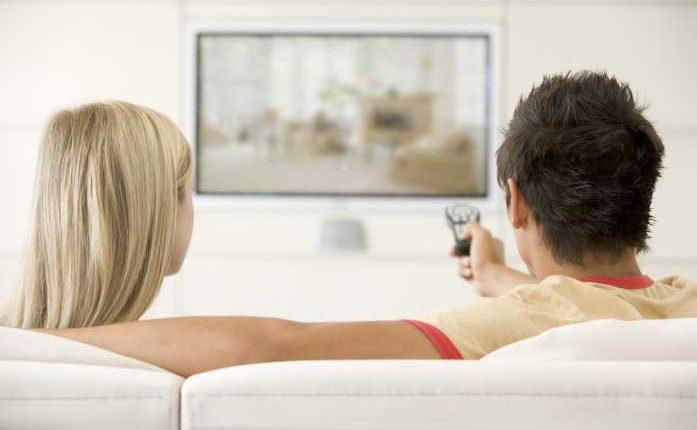 كيفية مشاهدة البث التلفزيوني المباشر عبر الإنترنت
