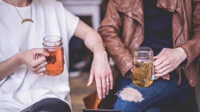 3 نصائح لكسر الجليد عند الدردشة مع الغرباء