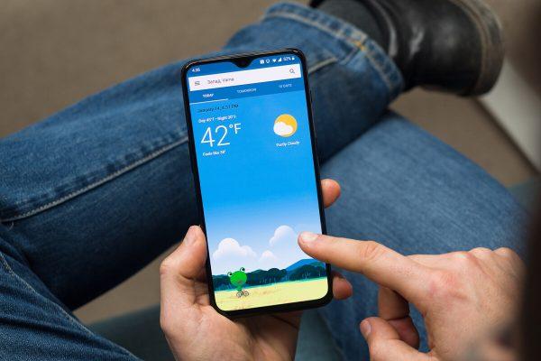 أفضل 12 اختيارًا للطقس و Android Clock Widget في عام 2021