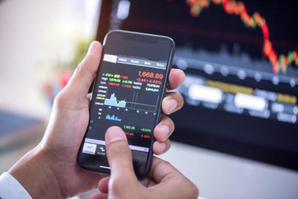 أفضل 15 تطبيقًا للاستثمار لصفقات سريعة وموثوقة في عام 2021
