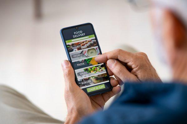 أفضل 10 تطبيقات لتوصيل الطعام للتحميل في عام 2021