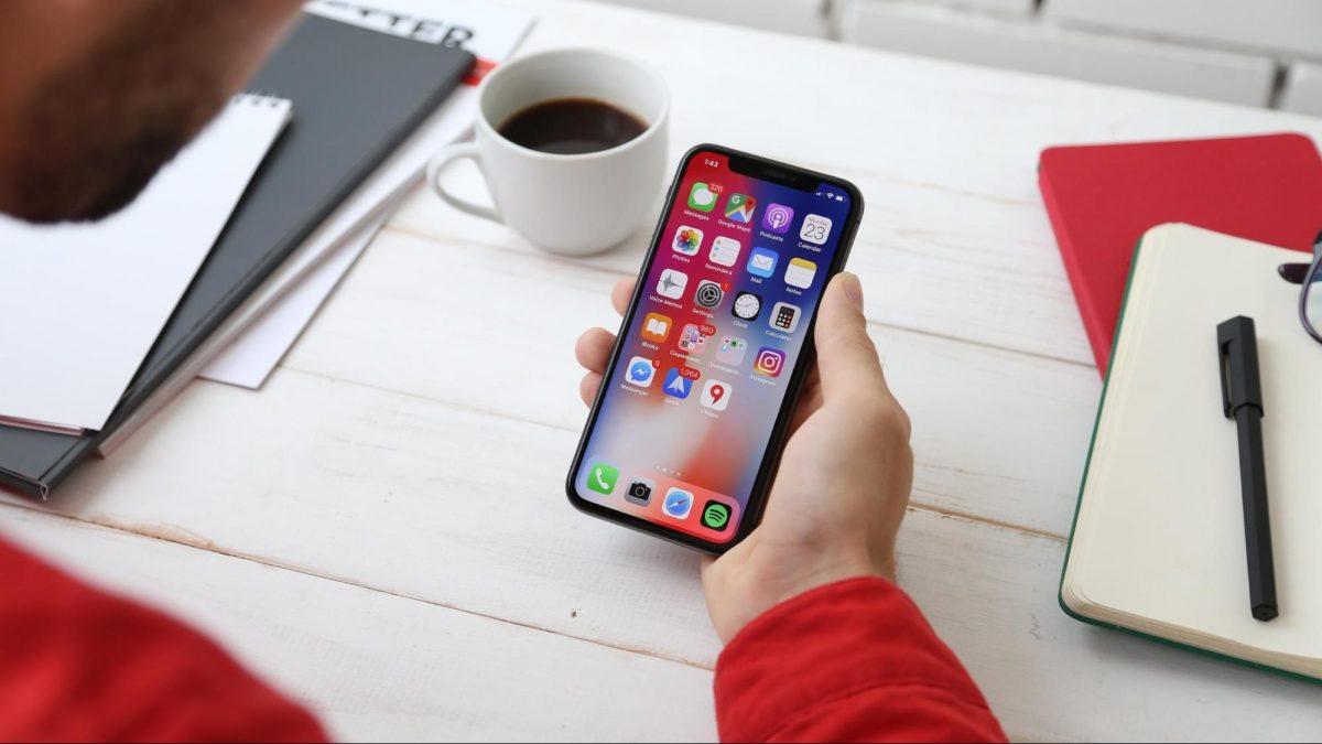 أفضل 9 تطبيقات لتحميل الملفات لنظام iOS تحتاجها الآن