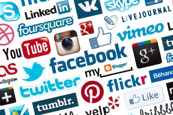 ما هي أنواع تطبيقات التواصل الاجتماعي؟
